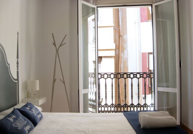 Apartment in Valencia - Flats Friends Nave 1 bedroom with balcony